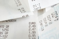 Interest Rates On The Rise, Debts Decline For Credit Cards