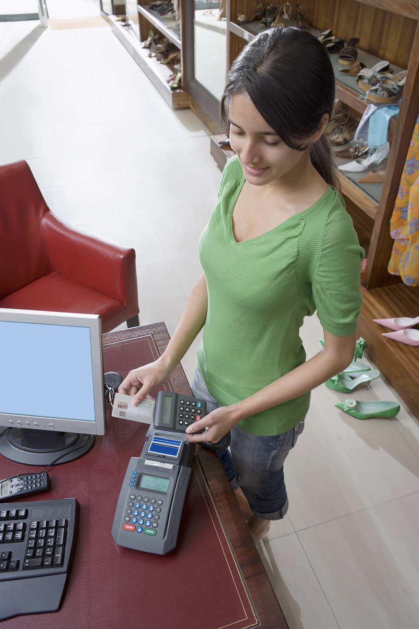 credit crunch: Secured Credit Card May Be The Way To Go For Those Under 21