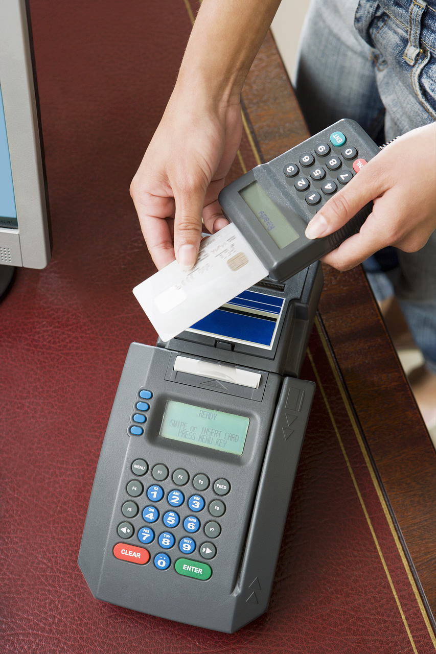 credit card payments: Credit Companies Fighting Tooth And Nail For Interchange Fees